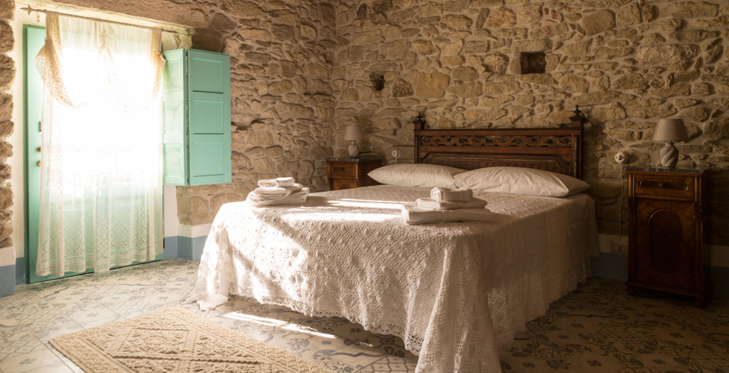 Accomodation among Marmilla and Sarcidano